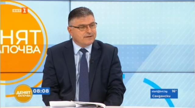 Министърът на отбраната разкри как са раздавани обществени поръчки в МО