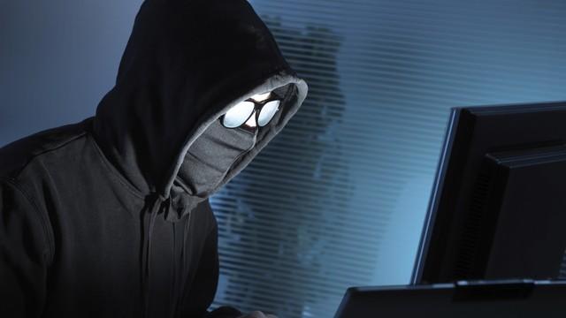 Хакери разпространиха данни на неверни съпрузи