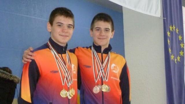 С осем медала от плувен турнир се завърнаха плевенчаните Дейвид и Алекс Найденови