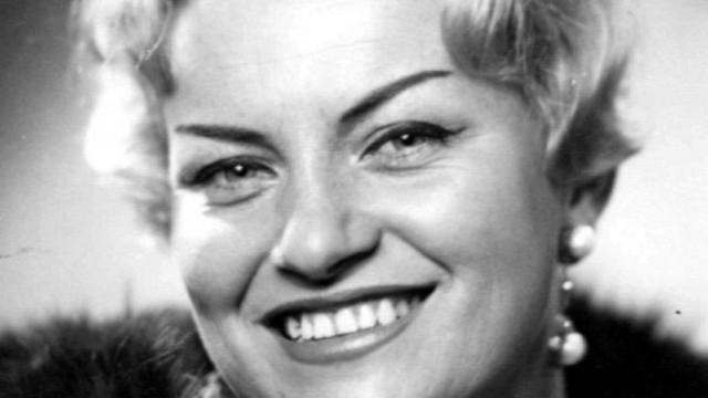 Почина легендарната  певица Ирина Чмихова