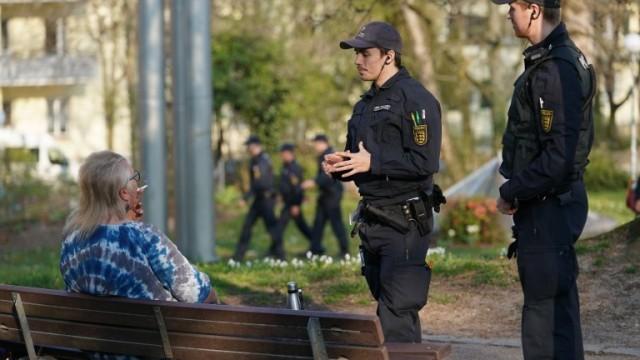 Ето как полицията в Берлин контролира мерките срещу пандемията, глобите са солени