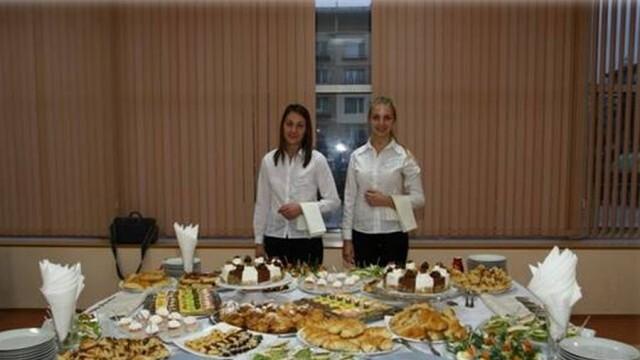 Ммм, вкусно... Плевенски ученици отбелязаха Международния ден на готвача (ВИДЕО)