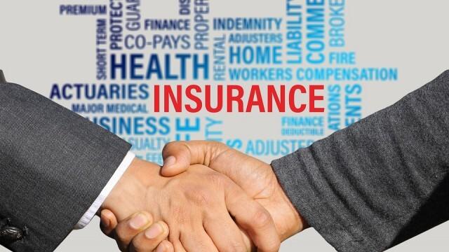 При пътуване в чужбина: Изберете застраховка, която покрива COVID-19