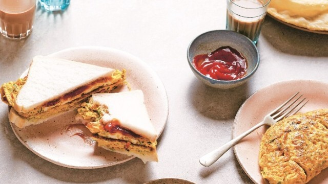 Сандвич с омлет - бързо и вкусно предложение за работещи майки