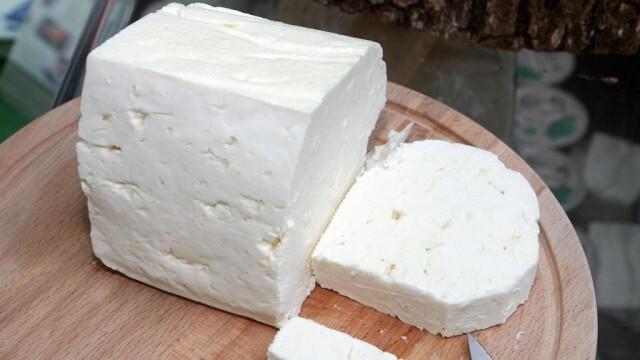 По данни на Земеделското министерство: Ядем повече фалшиво сирене