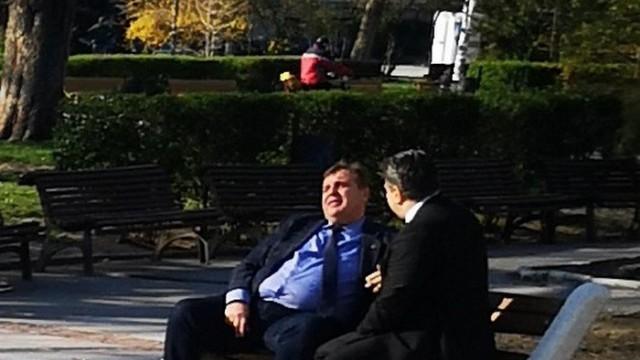 Ако се окаже, че Каракачанов е бил на пейка в парк или градинка, ще го глобят