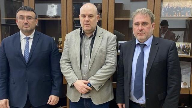 Гешев: От ВАП ще назначат проверка на министър Банов за небостъргача
