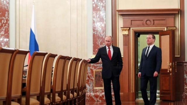 Дмитрий Медведев подаде оставка като премиер на Русия