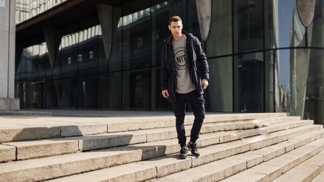 Черни мъжки панталони – как да ги съчетаем с останалото облекло