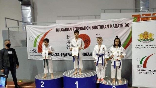 Отлични резултати за плевенските каратеки по шотокан на Националното първенство за деца до 12 г.