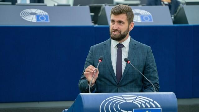 ЕК започва проверки след сигнал на Андрей Новаков за неправомерни глоби на български шофьори