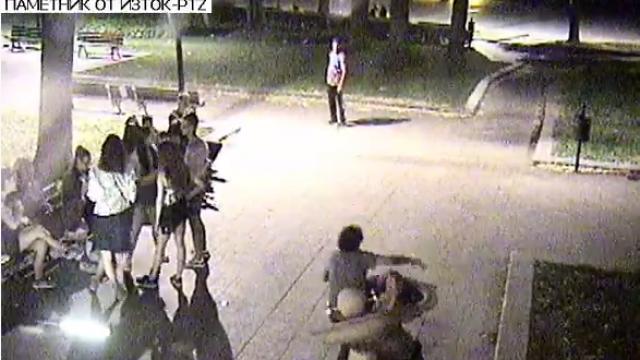 44-годишна русенка ще плати 400 лв. за счупената чешмичка на площад