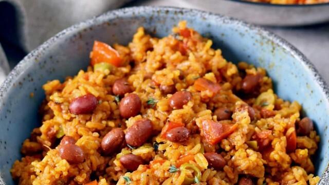 Рецепта за пости: Кафяв ориз със сушени домати и маслини