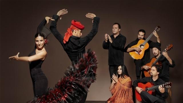 Диор и Ив Сен Лоран шият костюмите на испанския балет