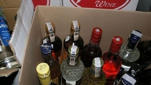 Заловиха мъж със 70 литра алкохол без бандерол в хотел в Хисаря
