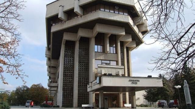 Община Русе маха предизборни материали в нарушение