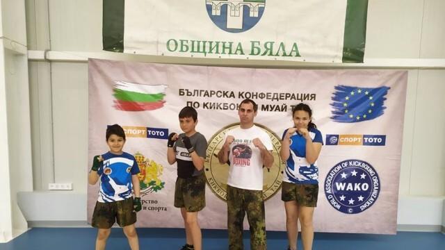 Трима бойци от школата на Митко Божанов на престижни места в национален турнир по кикбокс