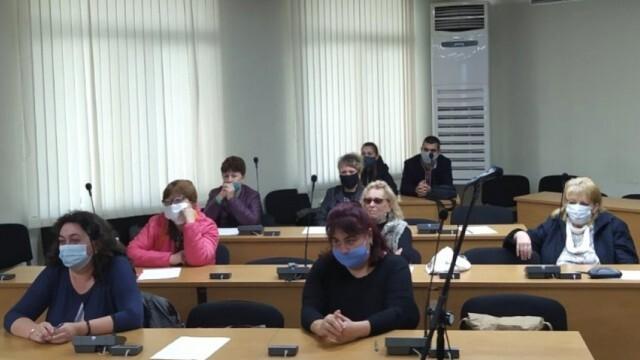 Обучения на приемни родители провеждат в област Плевен