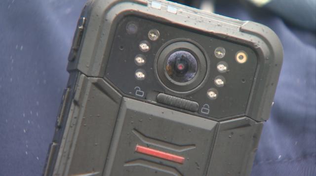 Камери на ревера на полицаите снимат всеки проверяван гражданин