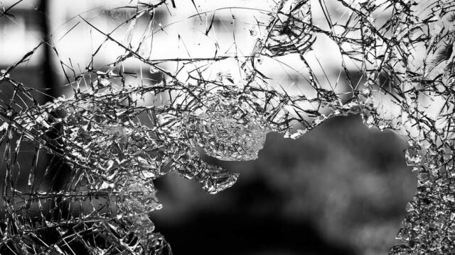 30-годишна мъртвопияна шофьорка оцеля след зверска каскада
