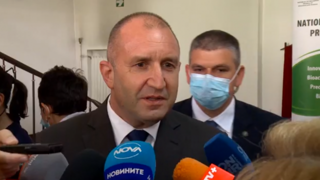 Румен Радев: Ще внеса предложения за промяна в Конституцията при легитимен парламент
