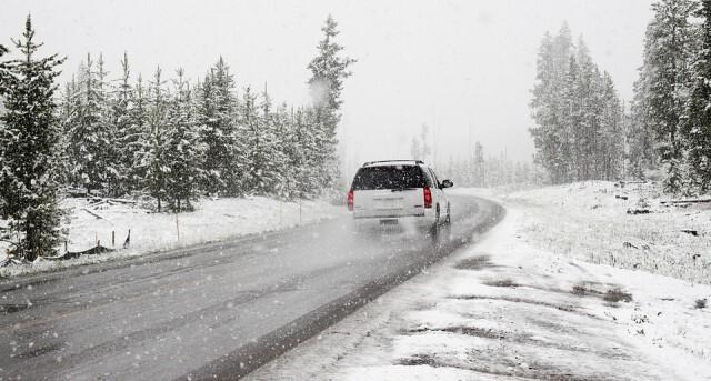 АПИ: Започват валежи от сняг, атомобилите да са подготвени за зимни условия