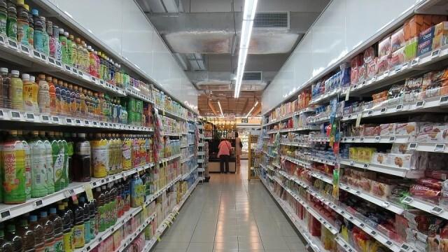 Официално: Кабинетът задължи търговските вериги да продават българска продукция