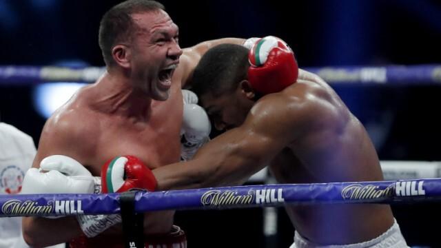 Кубрат Пулев загуби битката за световната титла в деветия рунд (ВИДЕО)