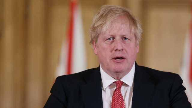 Борис Джонсън е заразен с коронавирус, но продължава да ръководи правителството