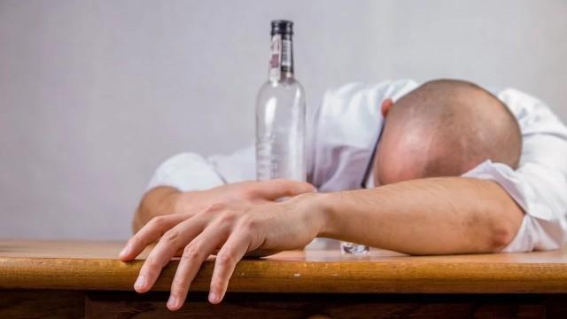 Тутракански полицаи спипаха пиян шофьор да кара из Главиница