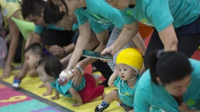 Един милион двойки в Китай подали молба за второ дете
