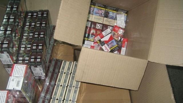 245 кутии цигари задържаха  на Дунав мост при Русе
