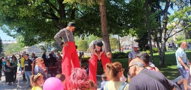 Щур ретро купон изкара русенци на площада за Празника на града