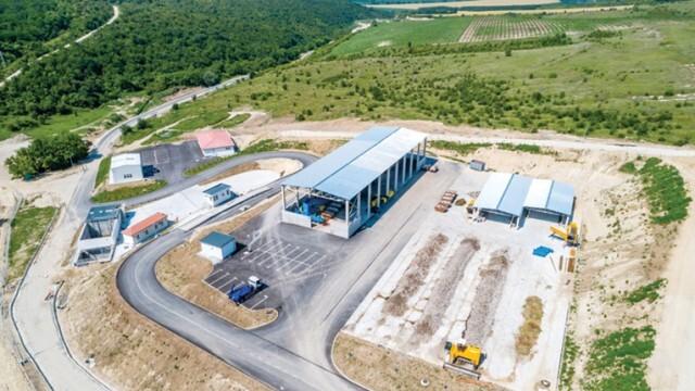 Доставят нов трактор и прикачен инвентар за зелени отпадъци в депото
