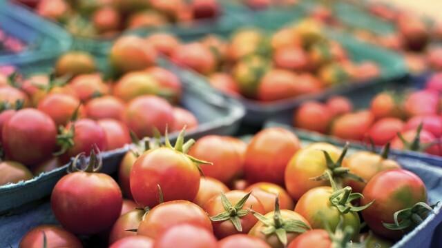 НАП започна денонощни проверки на борсите за плодове и зеленчуци