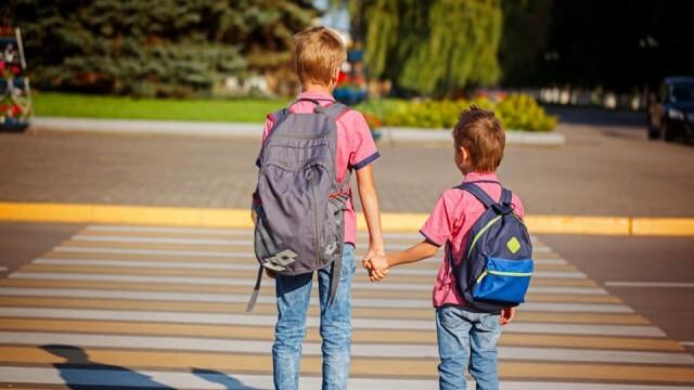 Цветна маркировка пред училища и детски градини предлага Алисе Муртезова