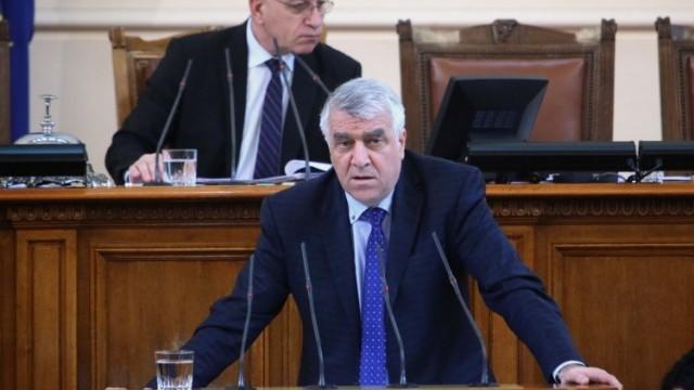 Гечев към Горанов: Защо ще теглите държавен заем, при положение че твърдите, че има фискален резерв от 10 млрд. лв.?