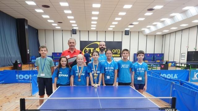 Русенските момичета от отбора по тенис на маса станаха Държавен отборен шампион