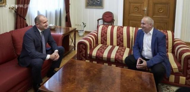 Културните дейци при президента: Колективният ни договор изтича, министерството мълчи