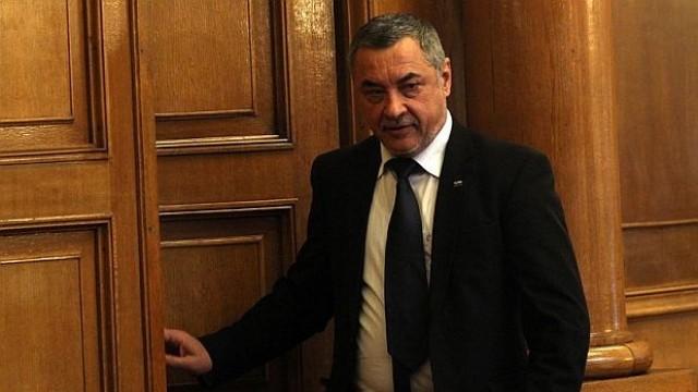 С обиди и скандали започна работният ден на депутатите, БСП напусна