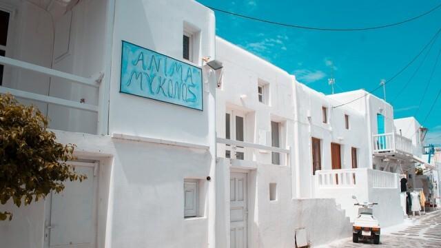 Туристи масово напускат Миконос заради рекордно заразени с COVID-19, предстои задължителна ваксинация