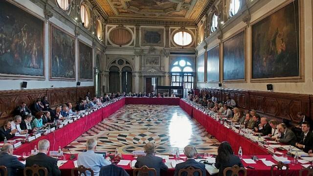 Венецианската комисия учудена: Прокурор, разследващ главния, не е част от световната практика
