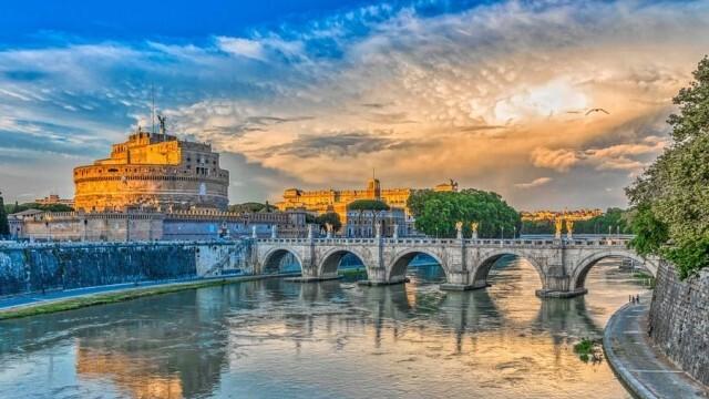 В Италия въвеждат задължителен