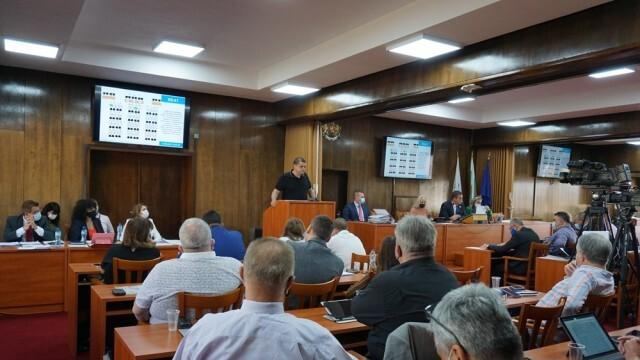 Прието: Общинските съветници намалиха цената на картите за градския транспорт на ученици и студенти