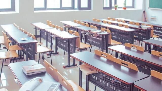 МОН: Зелени сертификати за учители, ротация на випуските  - през пет учебни дни