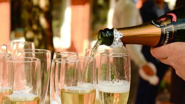 Предложения за Нова година - кулинарни рецепти с шампанско
