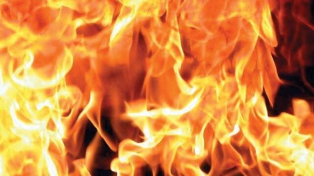 Заради къси съединения гръмна бойлер и се подпали къща