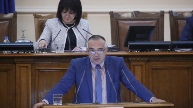 Кутев: Бойко Борисов подслушва президента. Караянчева: Подслушването не е в правомощията на премиера