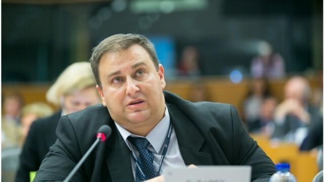 Емил Радев алармира за дискриминация от Великобритания към работниците от България