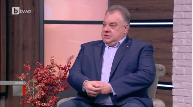 Бивш здравен министър: Кризата не се управлява експертно, няма правила